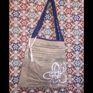 Old Navy's Patriotic Tote; 100% Recycled Material